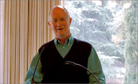 <em>Ecotopia</em> author Ernest Callenbach speaking at Saint Mary's on Oct. 17.